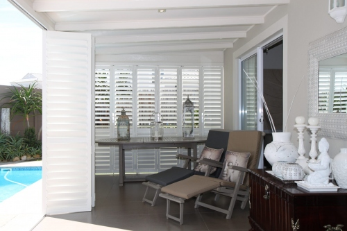 S-CRAFT-Aluminium-Shutters-Outside-Satin-White (1)