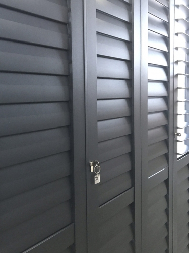 S-CRAFT-Aluminium-Shutters-With-Keyfob-Charcoal-1