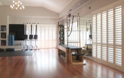 S-CRAFT-Aluminium-Shutters-Gym-Satin-White