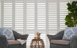 S-CRAFT-Aluminium-Shutters-Living-Room-2-Satin-White
